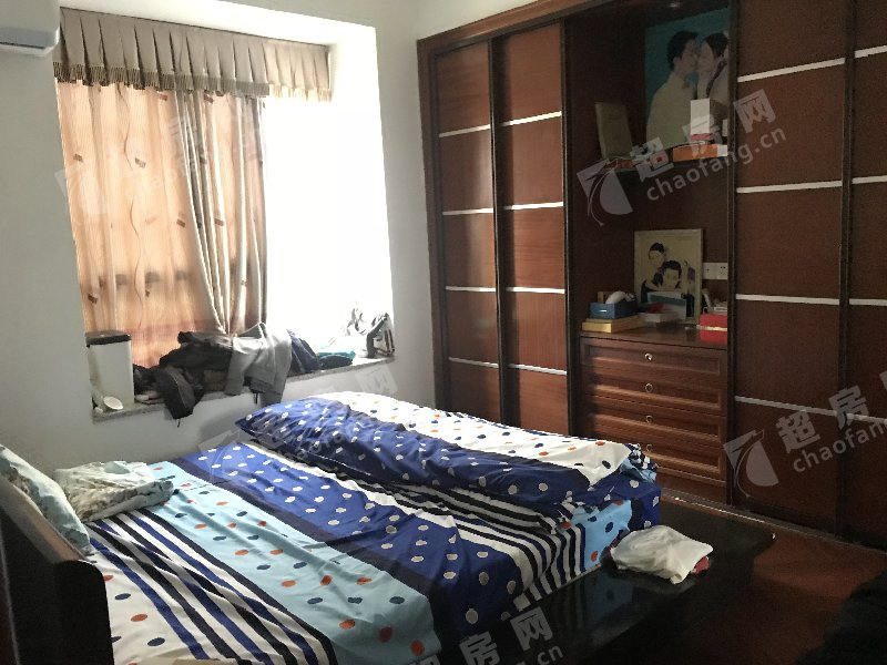 鳳南花園二手房臥室