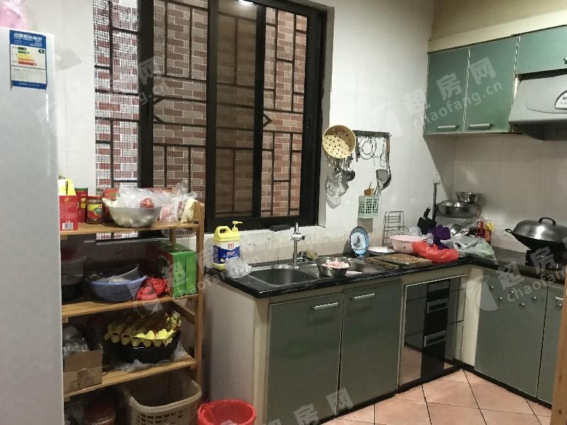 連平路二手房廚房及衛生間