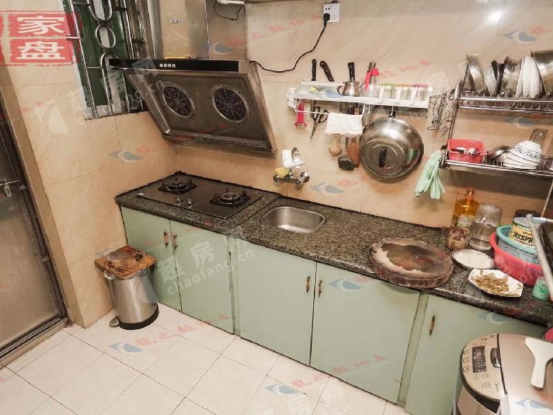 恒信閣二手房廚房及衛生間