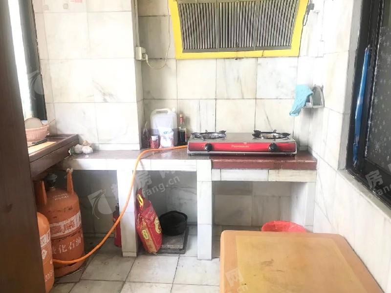 連云路二手房廚房及衛生間