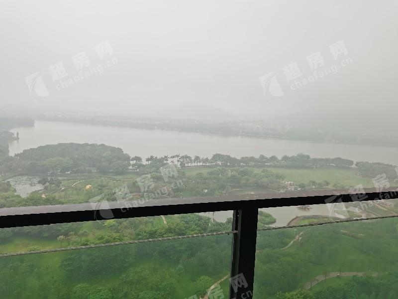 華僑城天鵝湖二手房陽臺