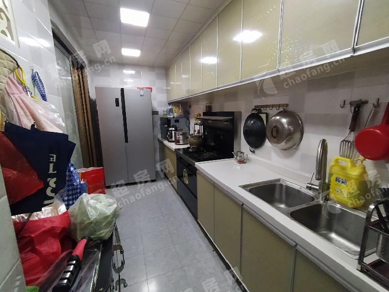 美怡樓二手房廚房及衛生間