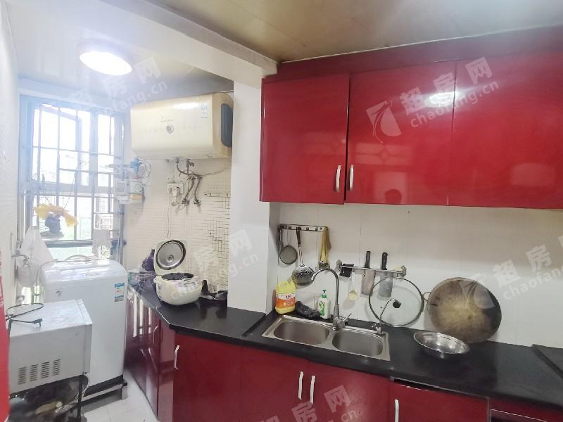 海云堡二手房廚房及衛生間