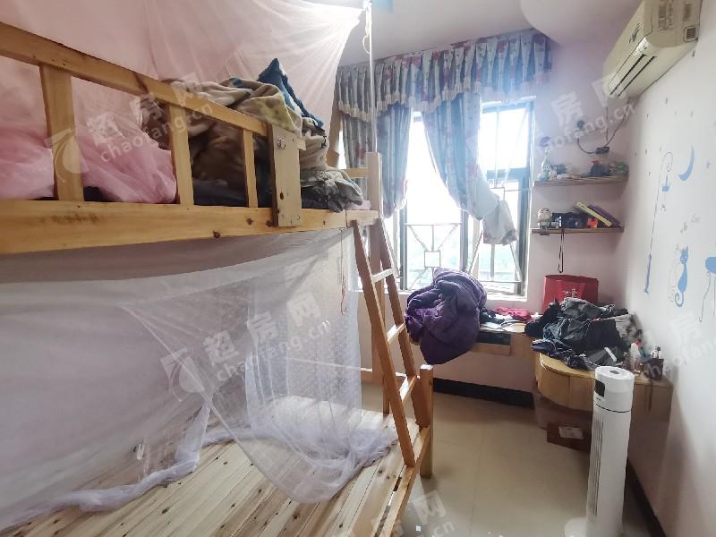 海云堡二手房臥室