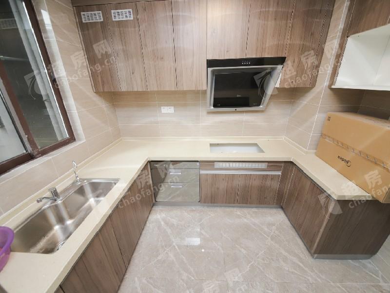 碧桂園美的·水木清華二手房廚房及衛生間