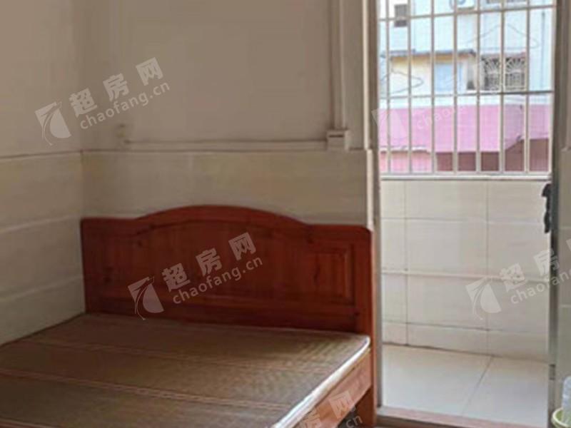 三淮大街出租房臥室